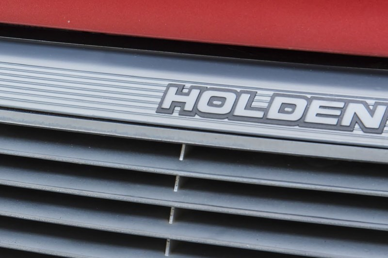 holden grille