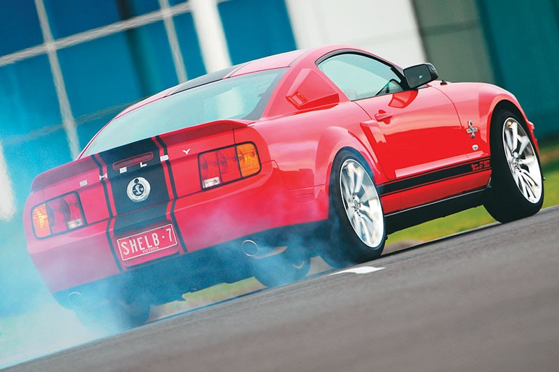 shelby gt500 super snake burnout