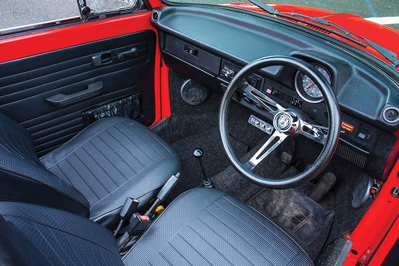 vw beetle interior front
