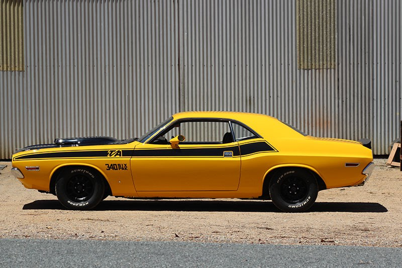 dodge challenger side