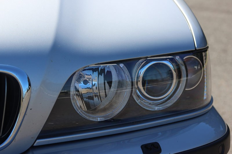 bmw 540i headlight 2