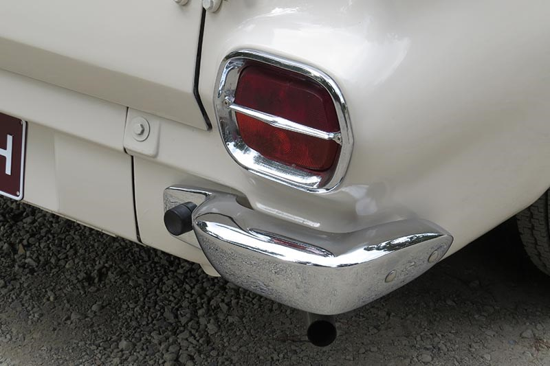 holden eh tail light 2