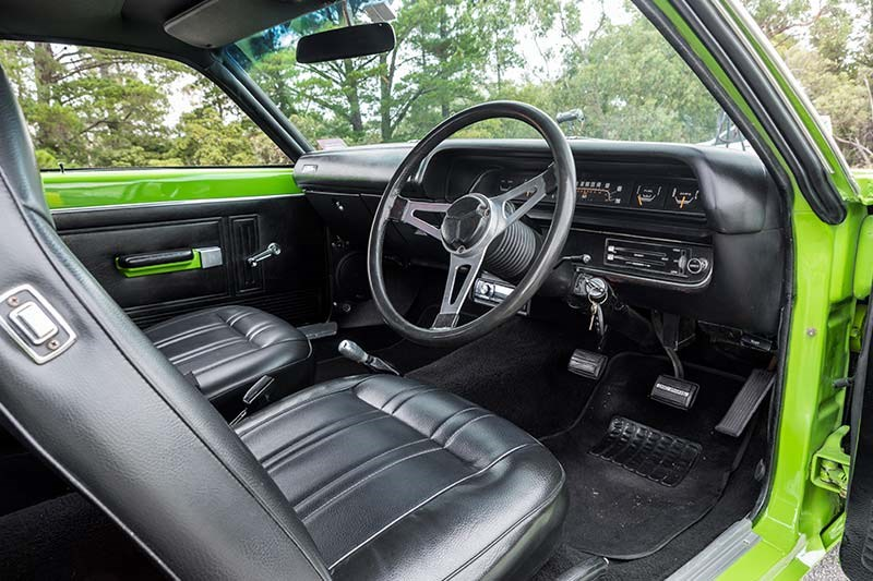 valiant charger interior