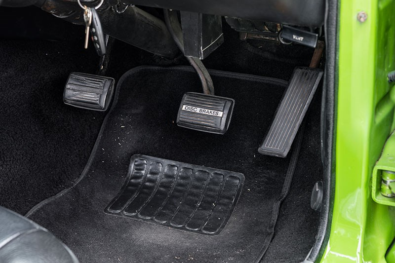 valiant charger pedals