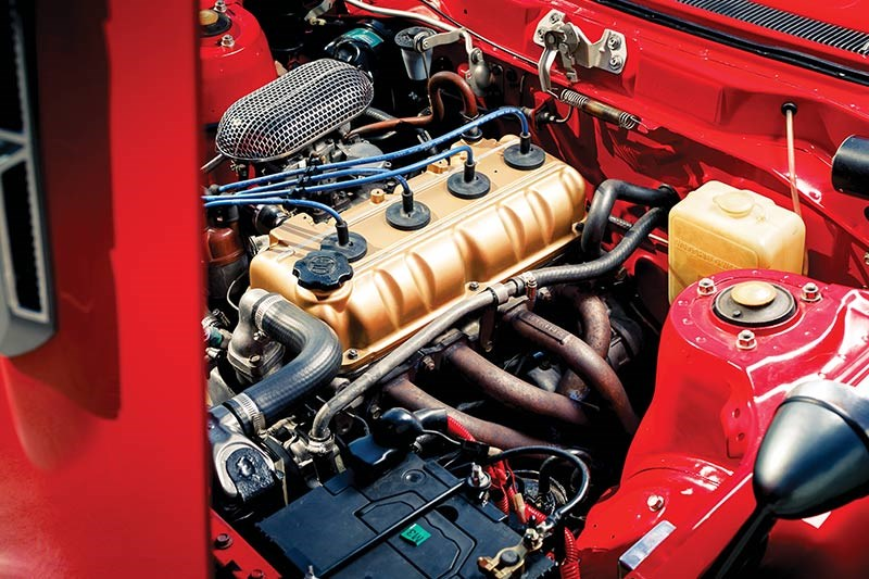 toyota celica engine bay 2