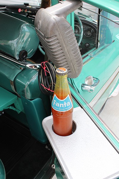 ek holden drink holder