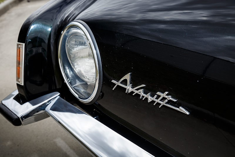 avanti headlight