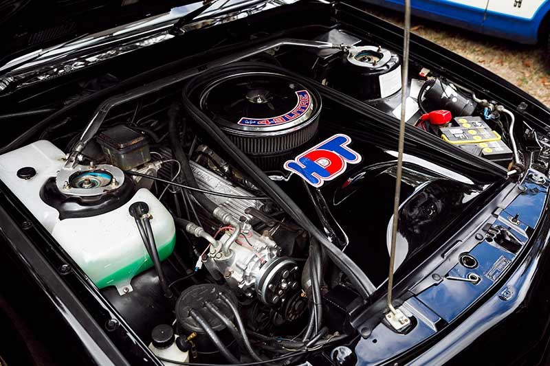 hdt vk director engine bay