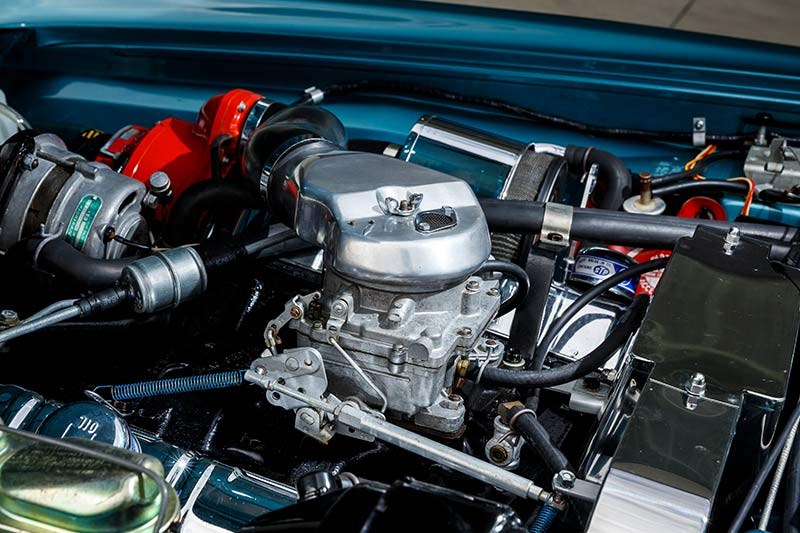 studebaker avanti engine bay