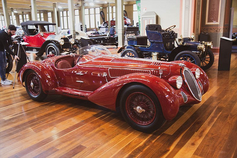 Motorclassica Old red