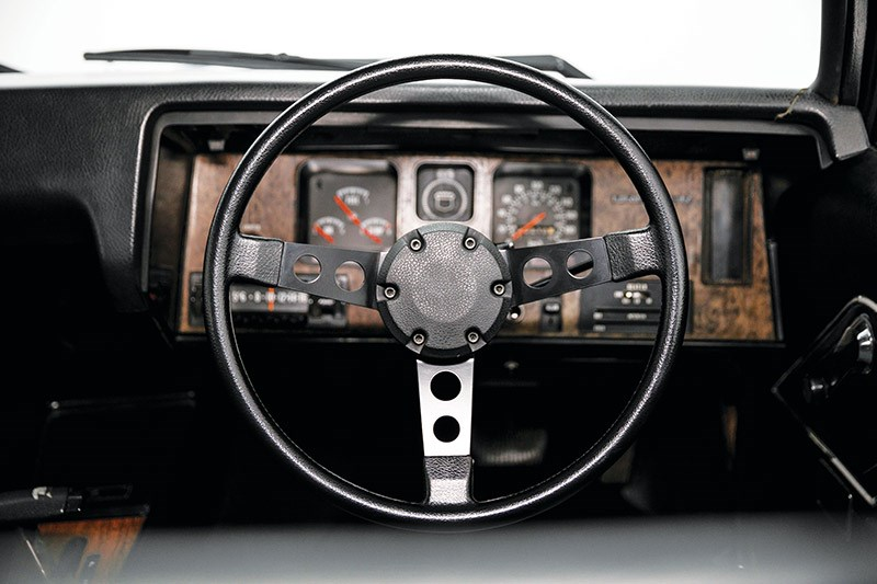 holden hq premier dash
