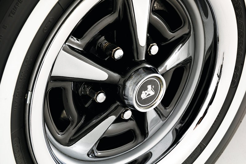 holden hq premier wheel 2