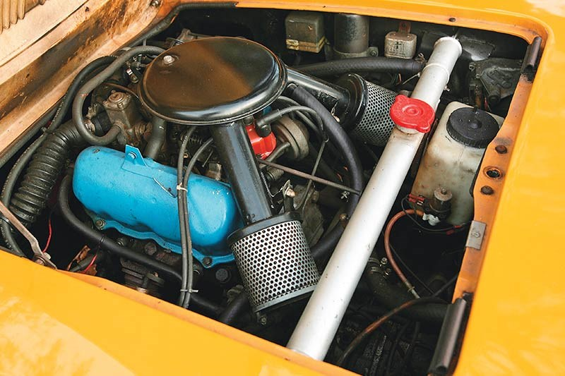 saab sonett engine bay