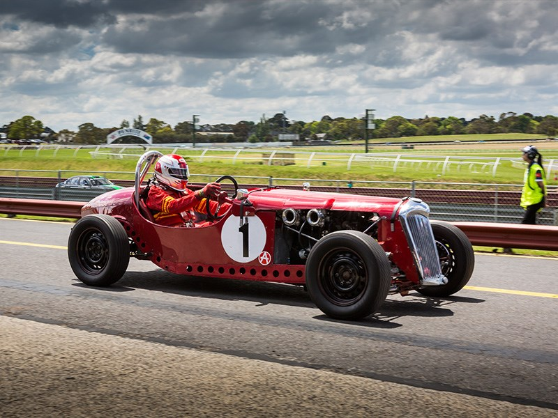 VHRR Sandown Historics Hold on