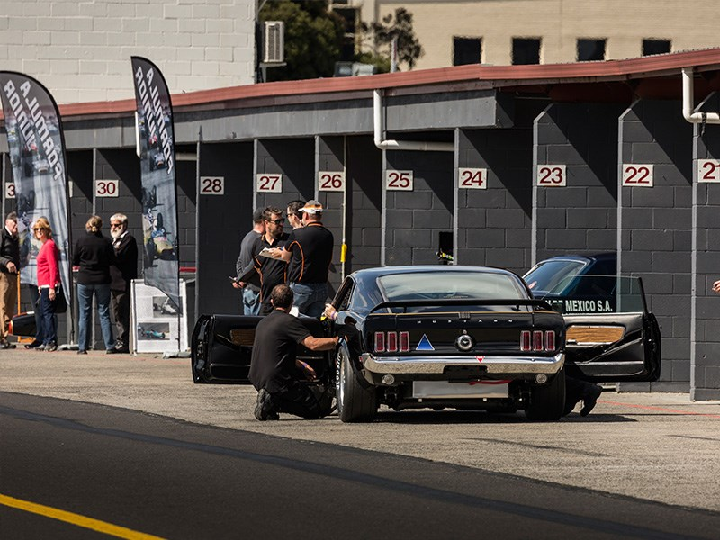 VHRR Sandown Historics Mustang pit