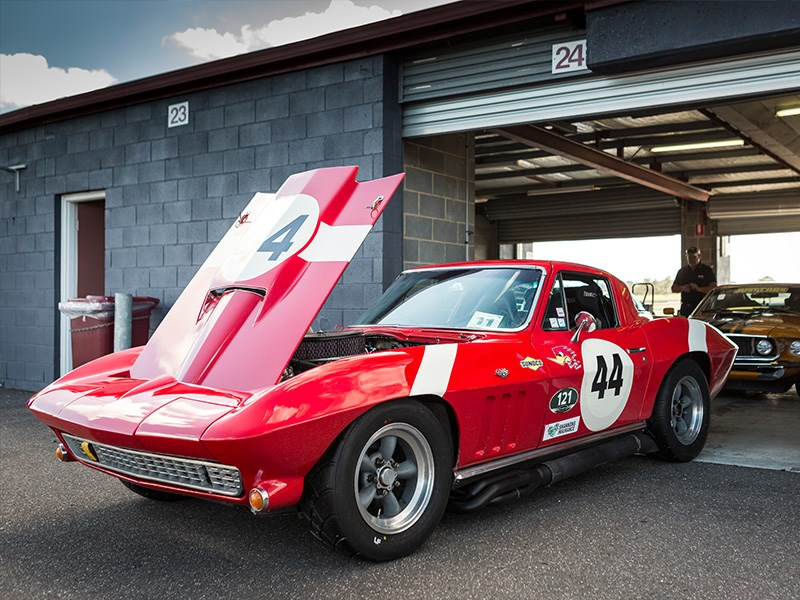 VHRR Sandown Historics StingRay