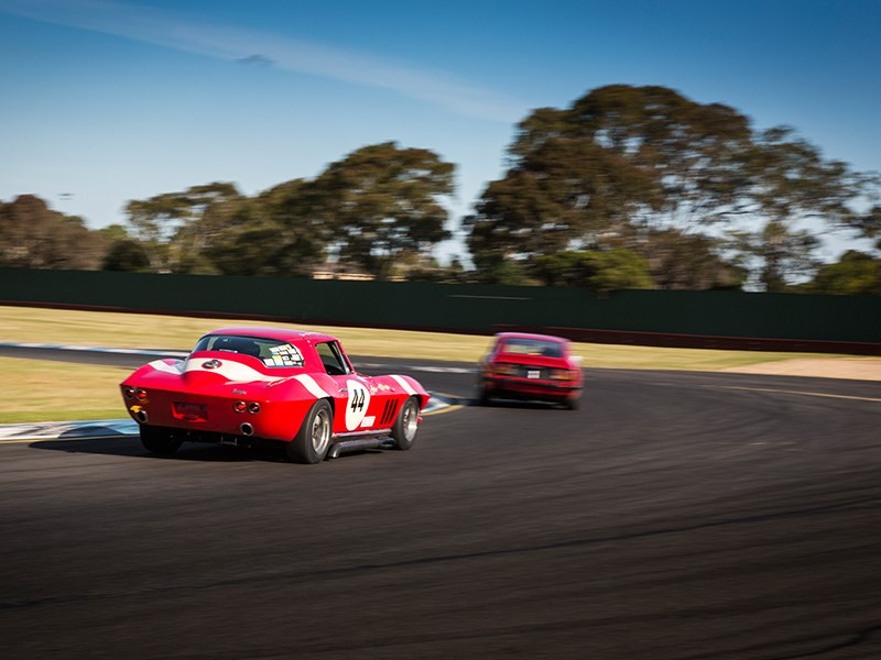 VHRR Sandown Historics Stingray zoom