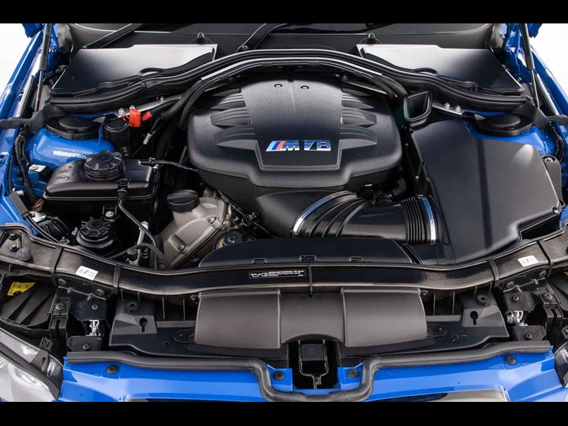 bmw e92 m3 engine bay