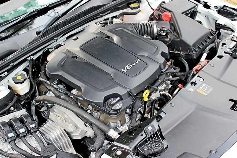 holden commodore zb engine bay