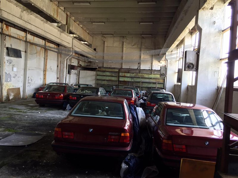 BMW E34 Barn Find group rear