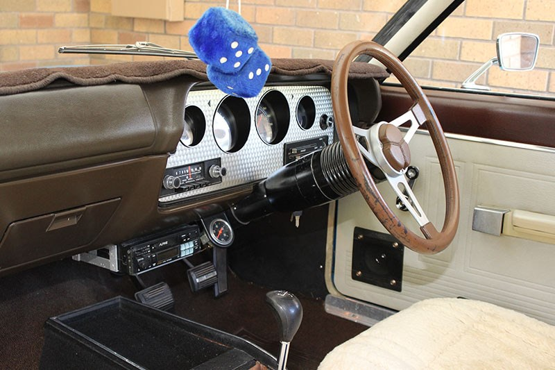 chrysler valiant charger dash 2