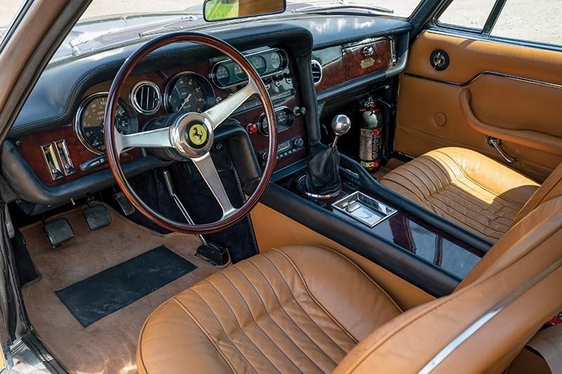 ferrari shooting brake interior