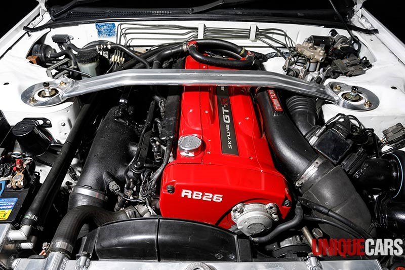 nissan skyline gtr engine bay 2