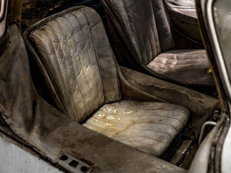 Barn find 300SL chassis 43 interior seats