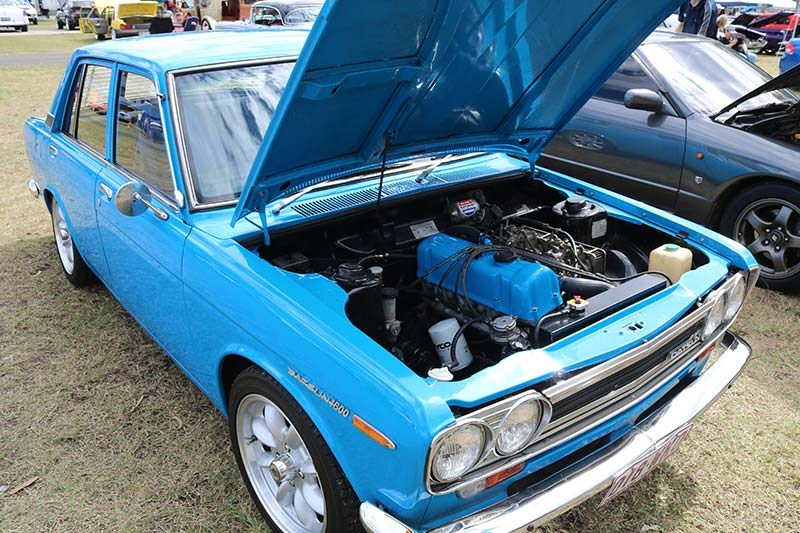 datsun 1600 engine bay