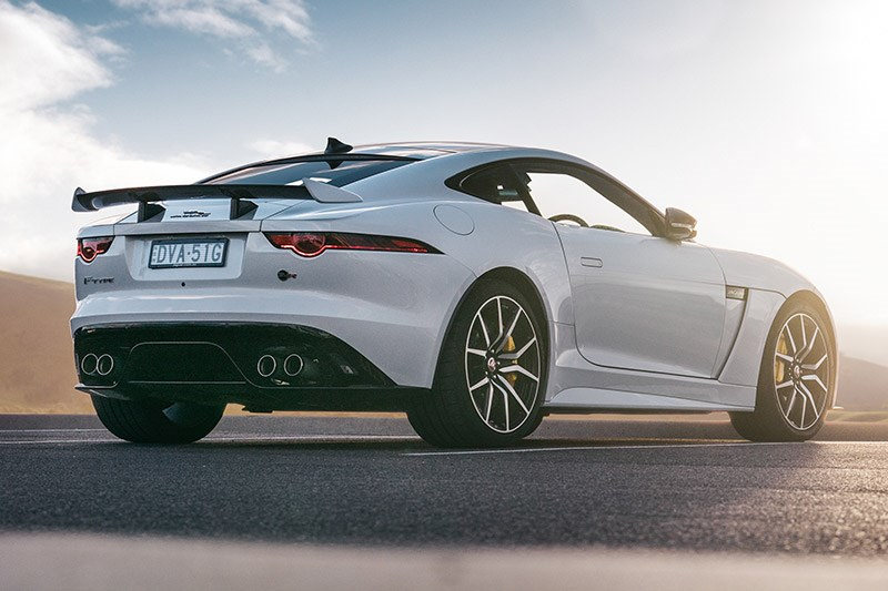 jaguar f type svr 2