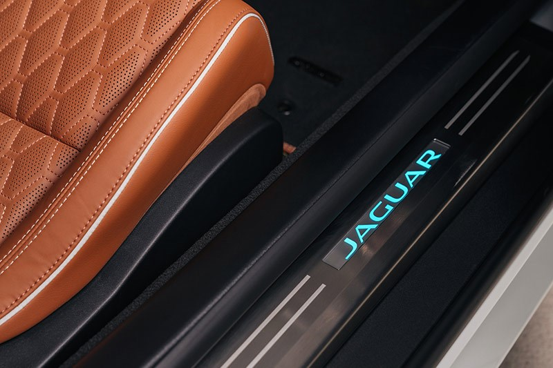 jaguar f type svr doorsill