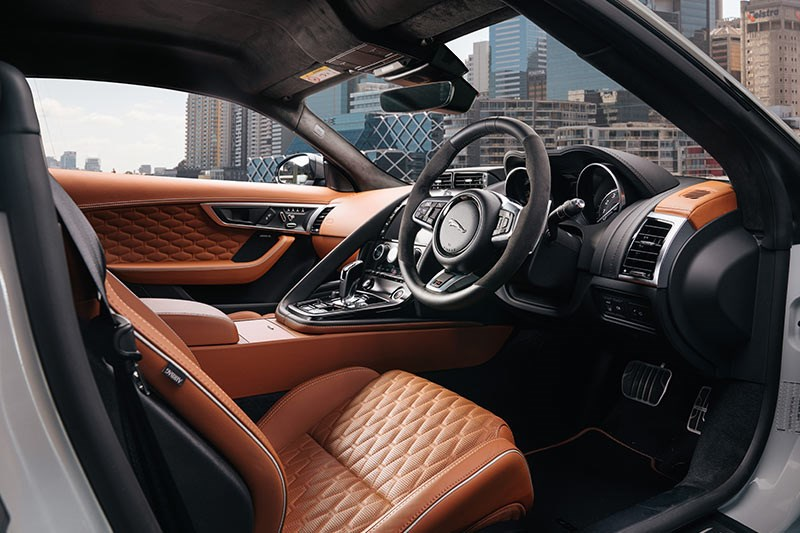 jaguar f type svr interior 2