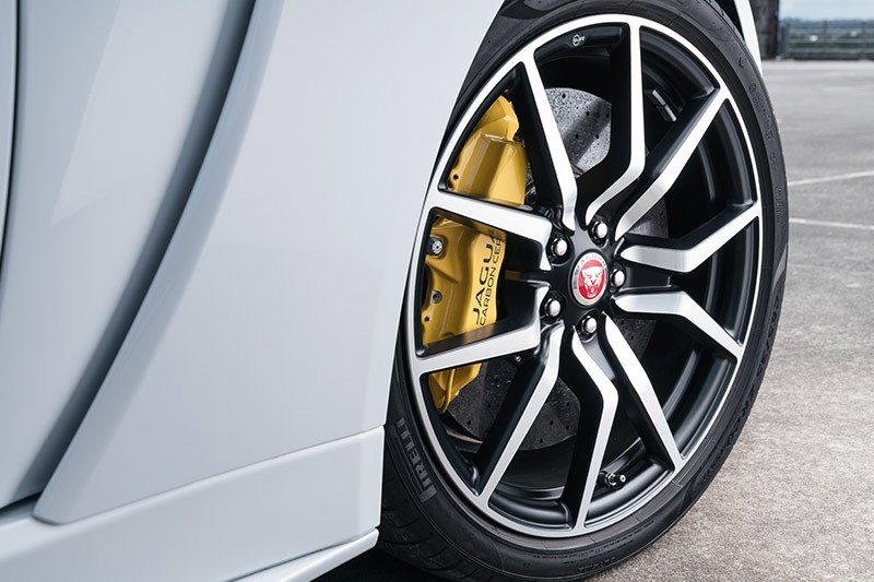 jaguar f type svr rear wheel