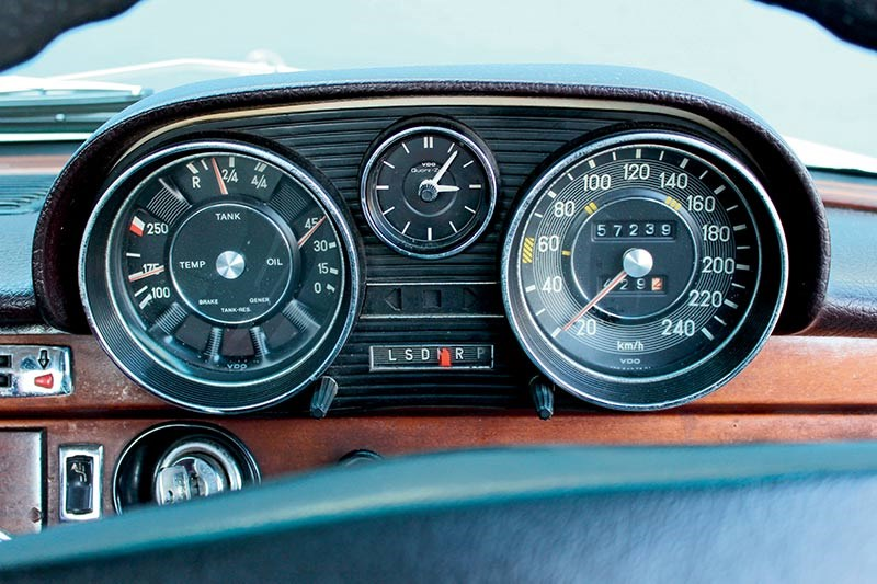 mercedes benz 280s dash