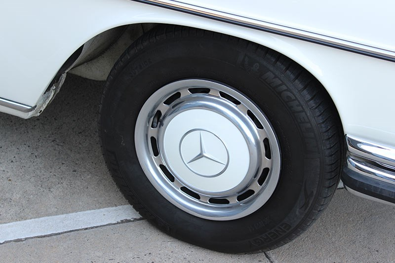 mercedes benz 280s wheel