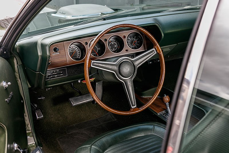plymouth cuda dash 3