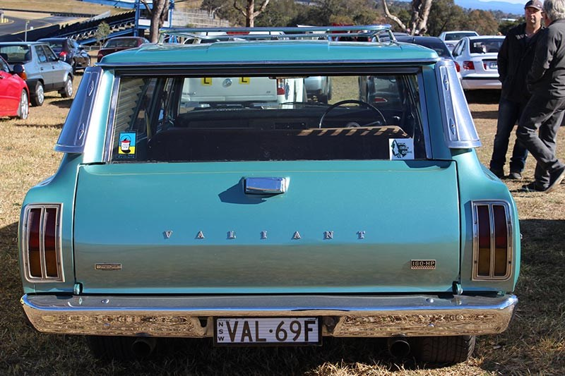 valiant safari rear