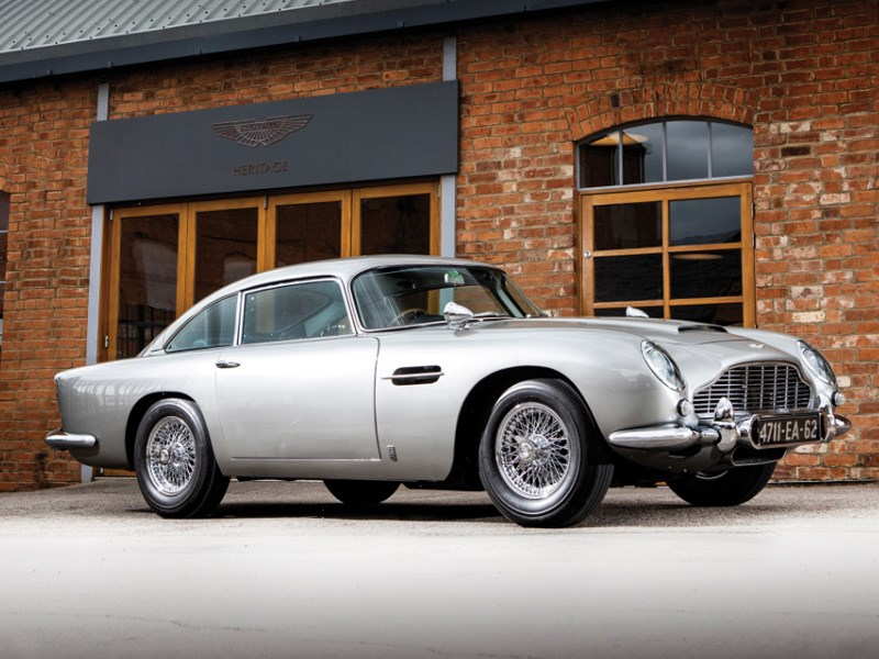 Goldfinger DB5 for auction front