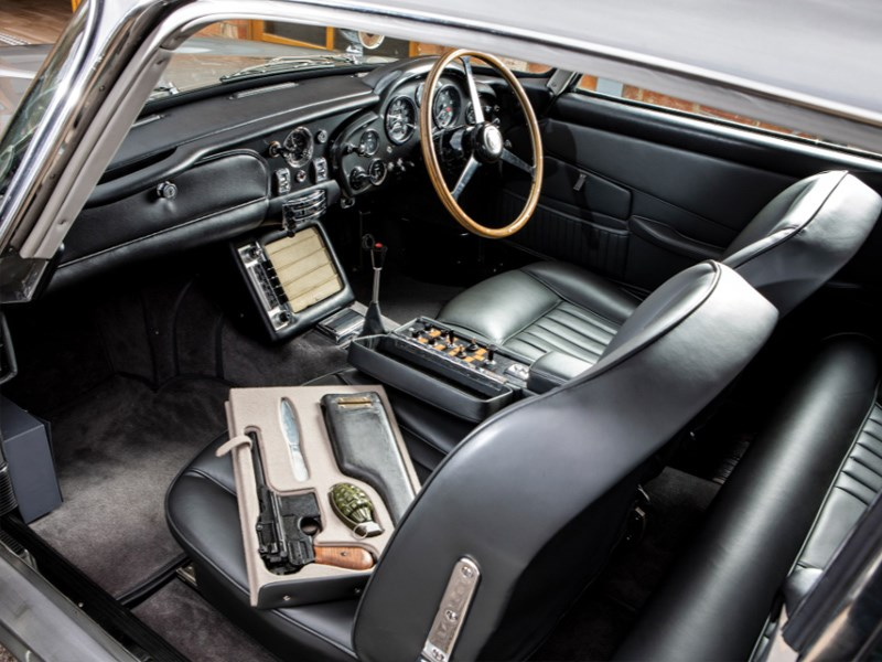 Goldfinger DB5 for auction interior