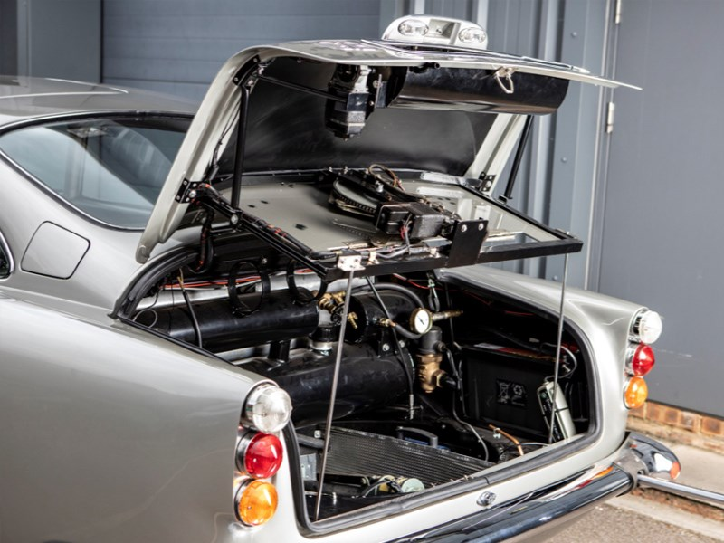 Goldfinger DB5 for auction pop the trunk