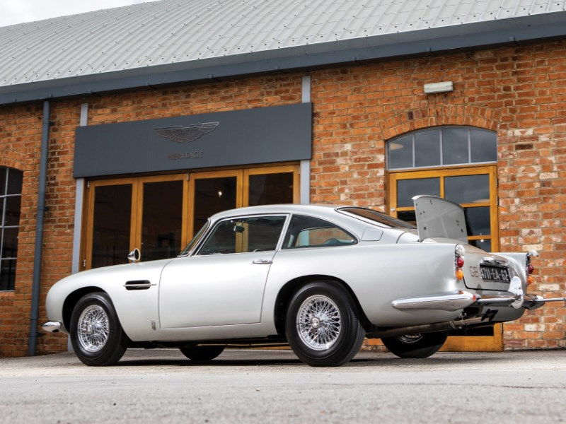 Goldfinger DB5 for auction rear