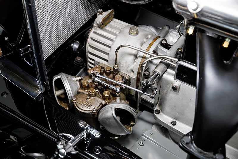 alfa romeo 6c engine 2