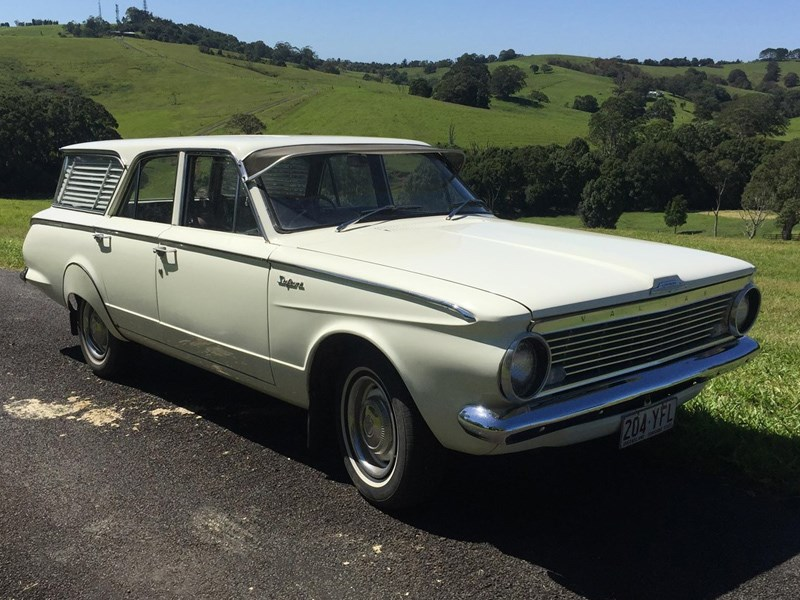 Chrysler Valiant AP5 Safari