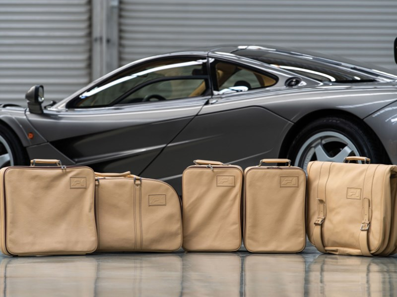 McLaren F1 LM Specification luggage