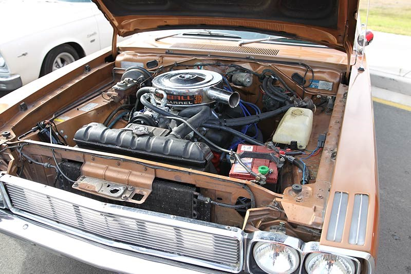 chrysler valiant vg engine bay 3