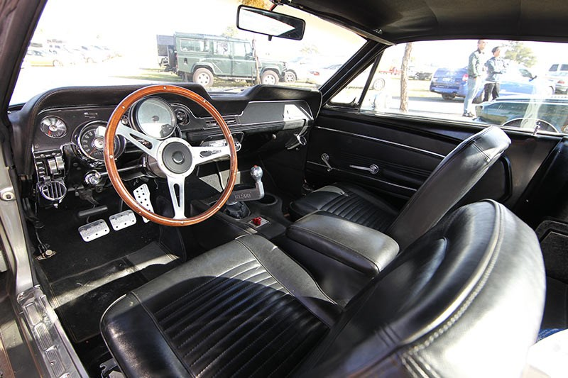 mustang eleanor interior 2
