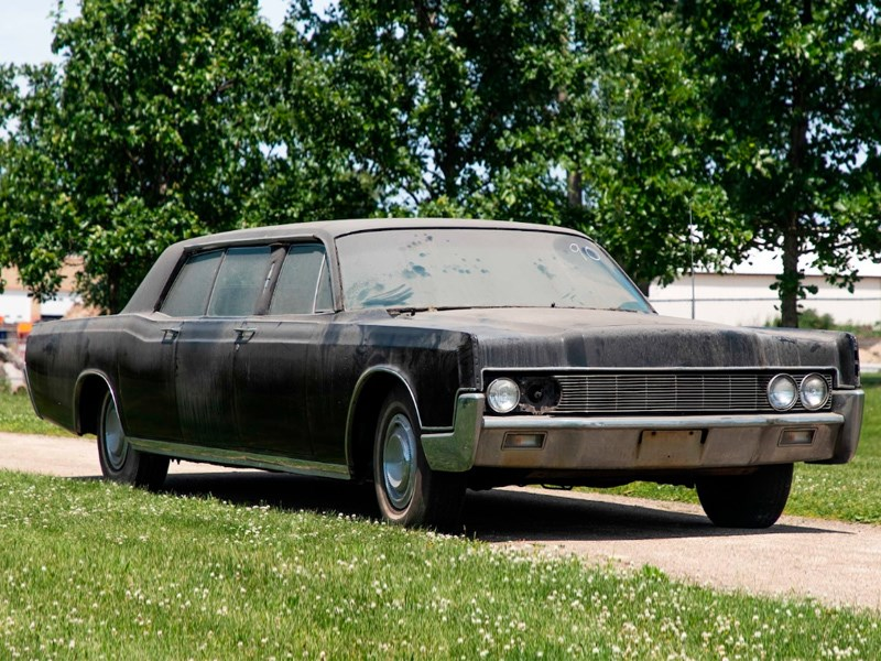 Presley family car front