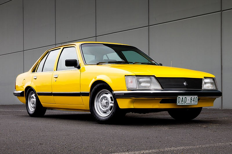 holden commodore vh 4