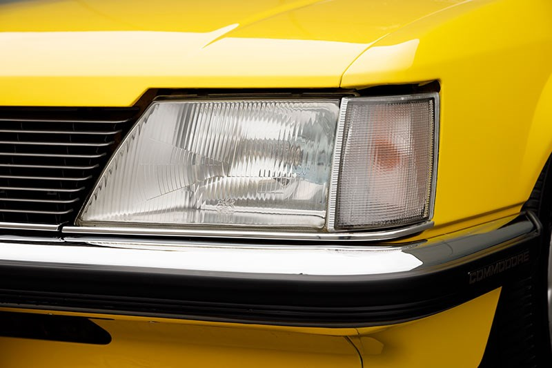 holden commodore vh headlight