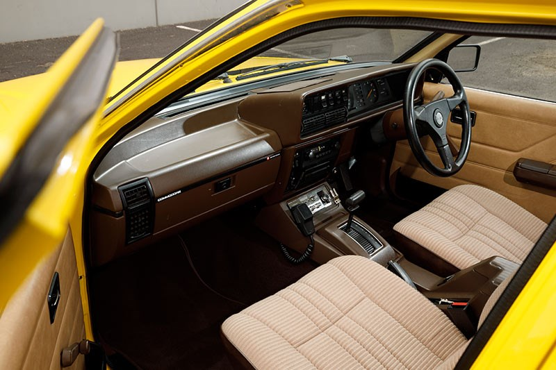 holden commodore vh interior